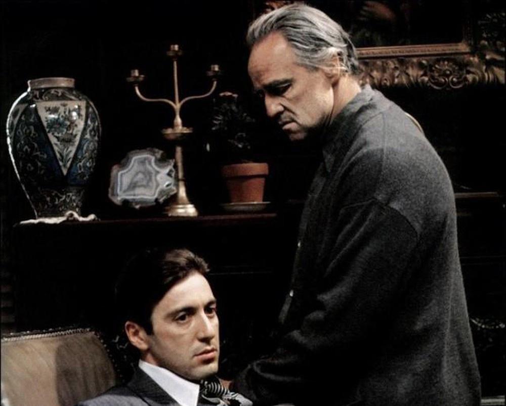 Vì sao bố già Vito Corleone bị ám sát?