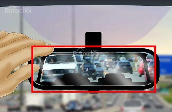 Sử dụng gương chiếu hậu trong xe thế nào cho đúng?