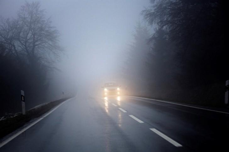 Kinh nghiệm lái xe an toàn khi có sương mù